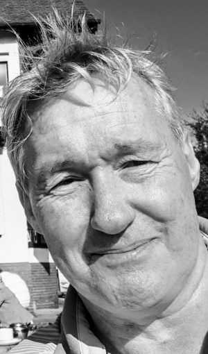 Neil Davies aka #TwoPinzGolfer Bi Lateral BK Amputee